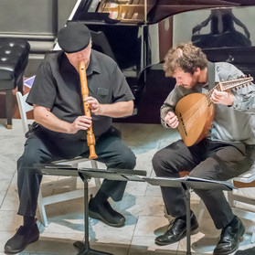 Aulacord Duo: Richard Arnest, recorder, and William Willits, lute.