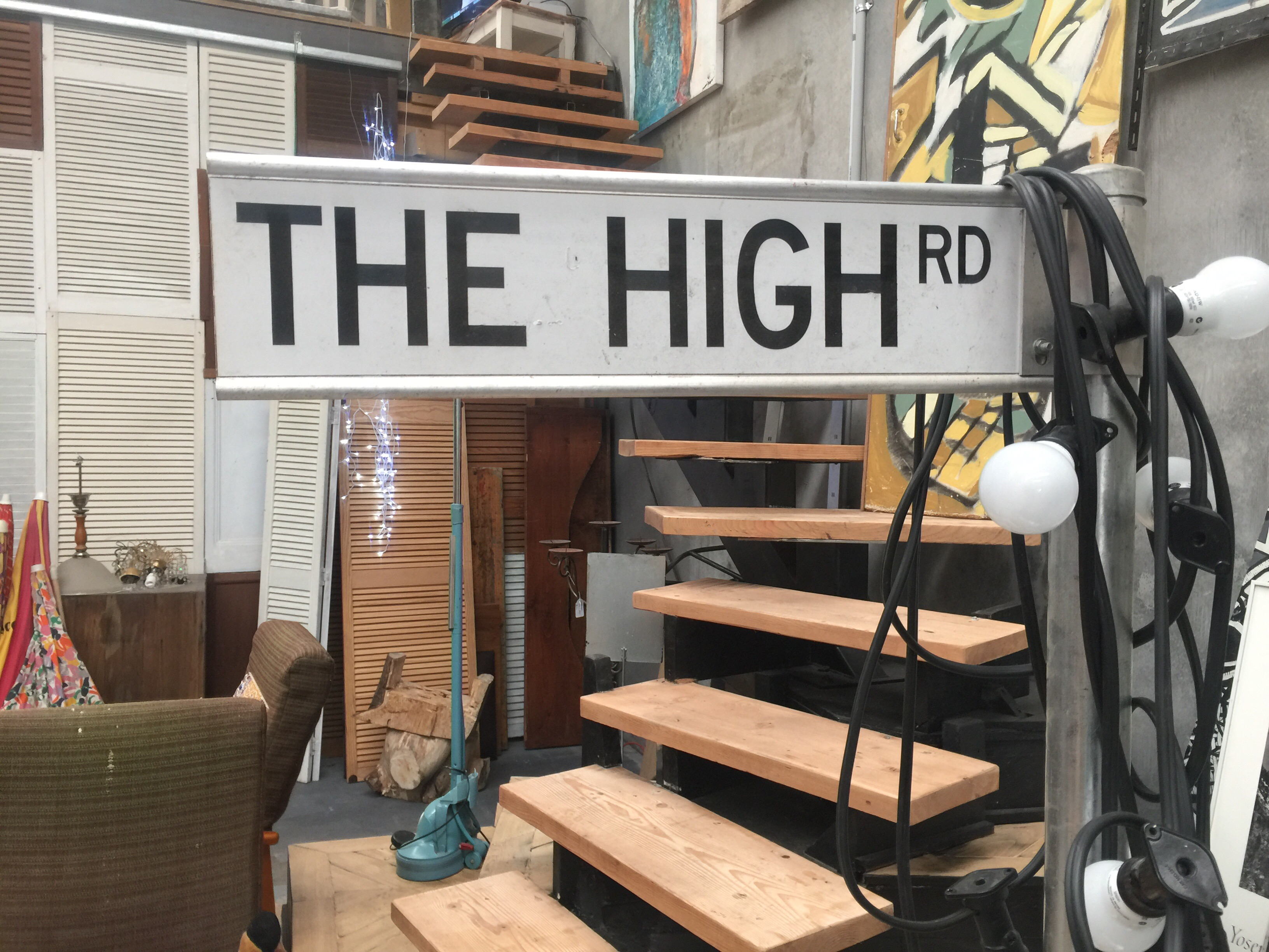 The High Rd