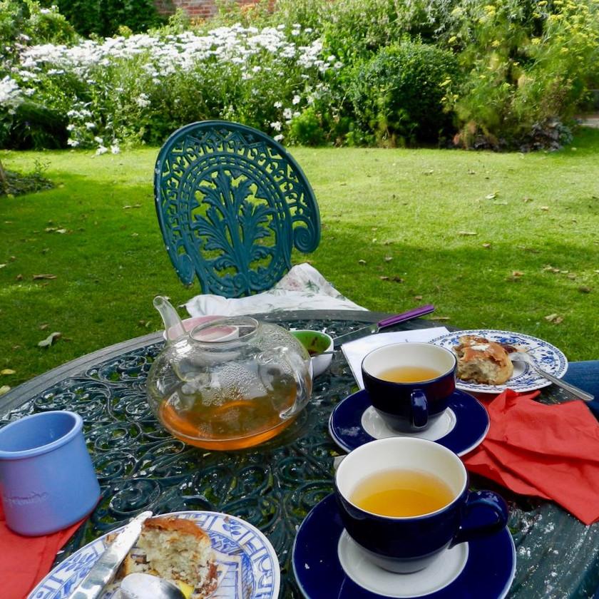 Le thé chez Henry James avec scones et confiture maison délicieuse