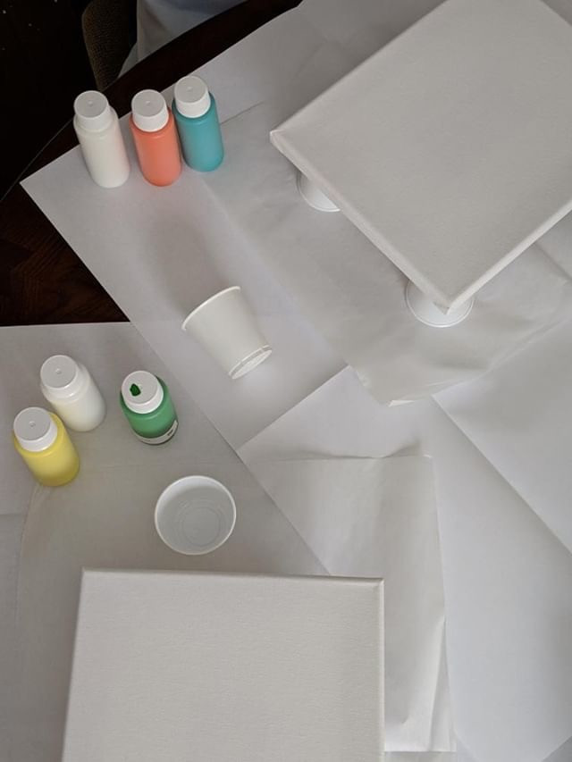 It is so easy to set up the paint kit. Just put down the 2 included drop cloths. Place 4 cups in square shape, place the canvas on top of the cups. Get the paint out and shake it. After those simple steps you are ready to paint!