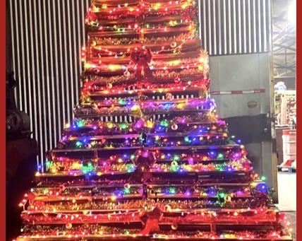 Tallest Pallet Christmas Tree!