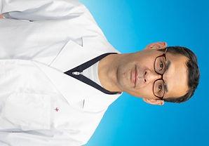 鍼灸院,鍼灸ゆーせん院長先生坐骨神経痛鍼灸治療,往診,八尾市・東大阪市・柏原市