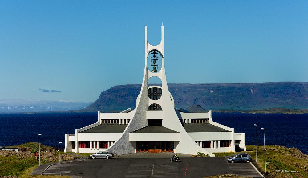 Cahtolic-Church-in-Stykkisholmur-Iceland
