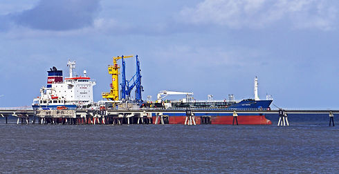 the-outer-port-3108235.jpg