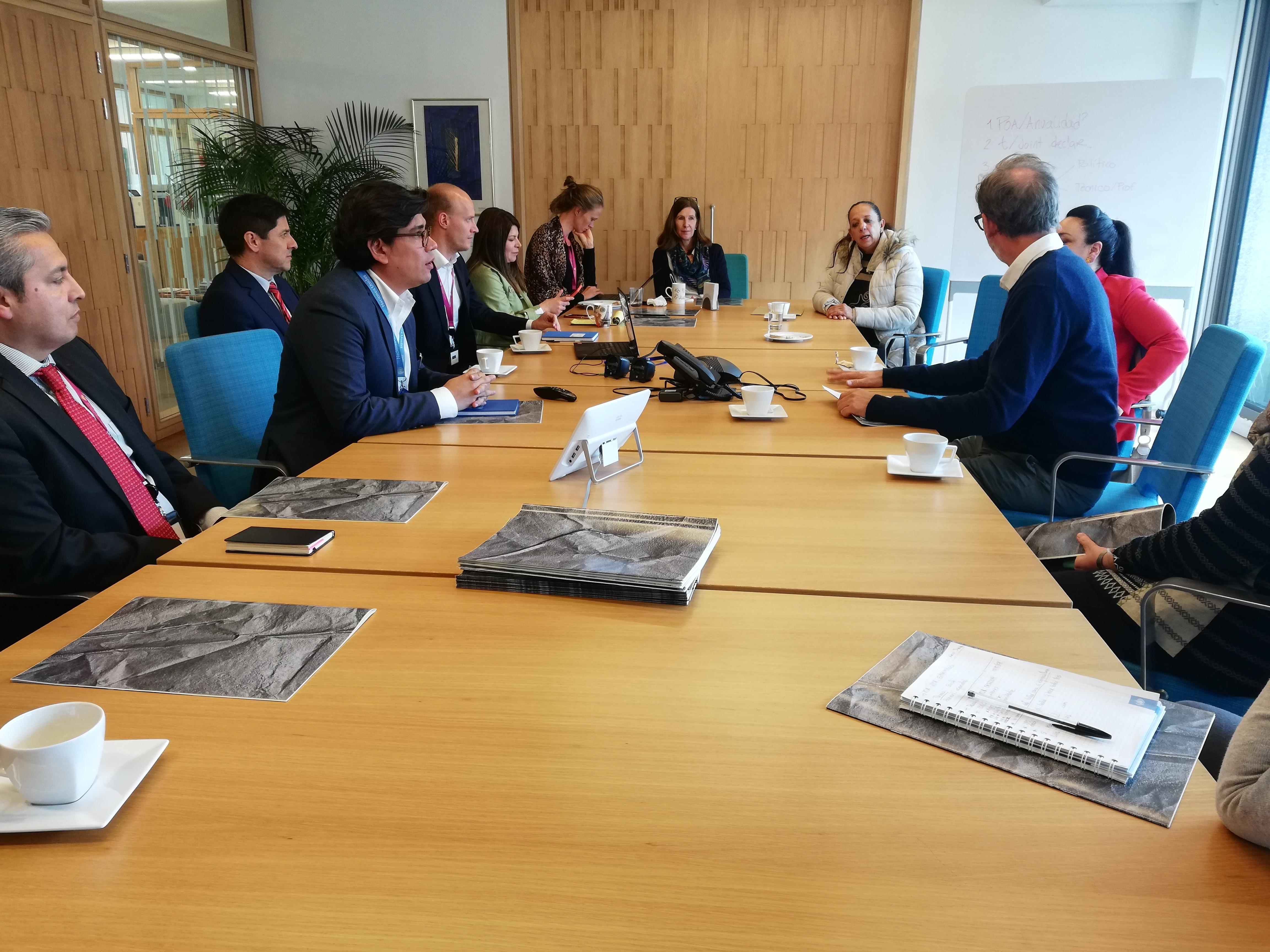 Reunión en la Embajada Noruega
