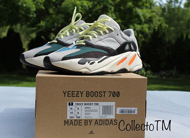 b0f93989f Yeezy Boost 700 Wave Runners  Pre-Owned  US Size 8.5