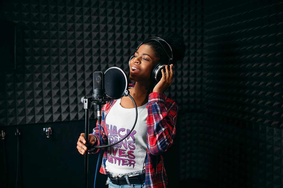 t-shirt-mockup-of-a-woman-in-a-recording