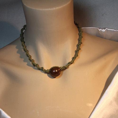 """""""Be on Tribe"""" Halskette kurz, in Olive grün und braun"""