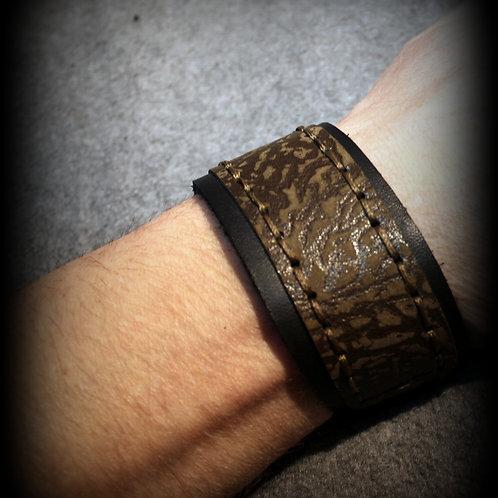 """""""Moos im Schatten"""" Lederarmband Unisex, schwarz/olivegrün,  handgefertigter Lederarmband, neuwertiges Leder aus einer kleinen"""