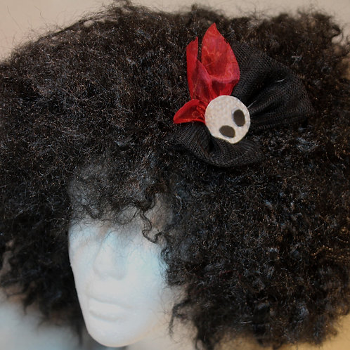 """""""Aliens look 2 Ritual"""" Haarspange , Die Sicht des Silberaliens zum Ritual. 3D Silberalienkopf mit schwarzen Augen und rotem H"""