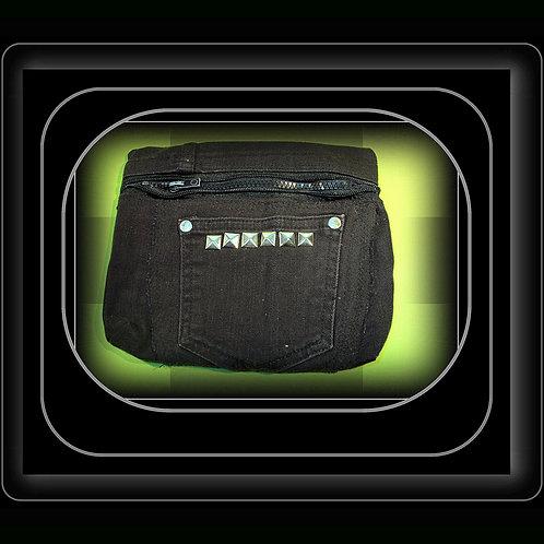 """""""I Punk You"""" Gürteltasche in schwarz, mit Nieten, aus schwarzem Jeans wiederverwertet, für breite Gürtel (s. Foto), upcycled,"""