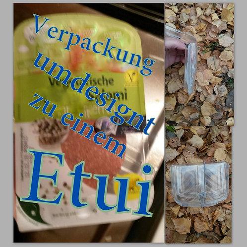 Re-Up Etui wird selbst aus eigenen Resten produziert. Das durchsichtige Etui ist eine Erstreckung der Funktionalität auf weit