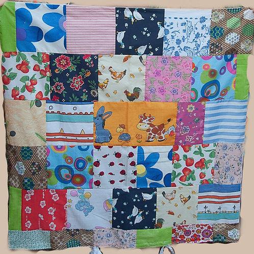 """""""Baby Decke"""" bunte Patchworkdecke, mit Schnüren  handgefertigt, Einzelstück, aus neuwertgen Stoffen kreiert,  86 Länge, 63"""