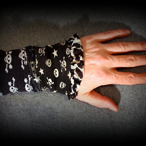 """""""Durch Punken"""" Handstulpen mit Täschchen versehen, genug space für kreditkarten, Geld, Schlüssel, Taschentücher, ... etc., fe"""