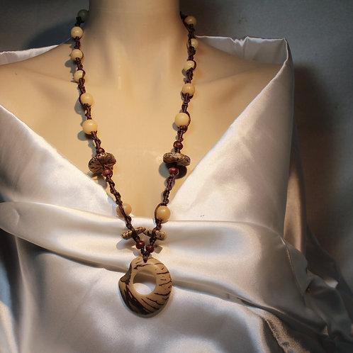 """""""Respect Nature"""" Halskette ist aus hochwertigen Samen, mit viel Leidenschaft zusammengestellt sowie für Männer als auch für n"""