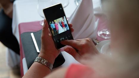 Gästefoto mit Handy