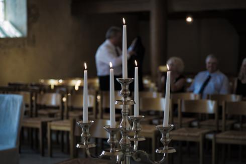 brennende Kerzen Kirche