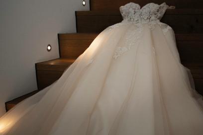 Brautkleid liegend