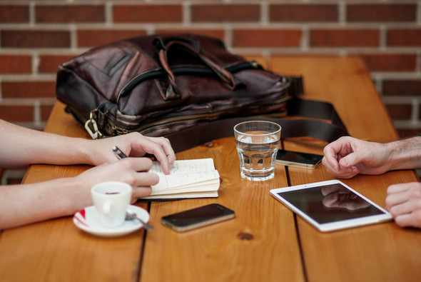 Pros and Cons of Working with a Travel Advisor