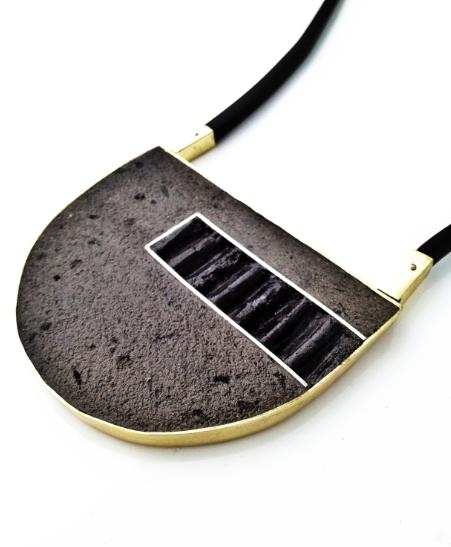 Risen necklace detail