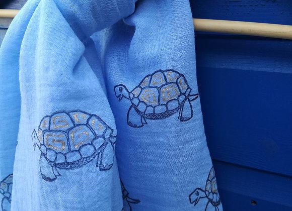 Tortoise scarf