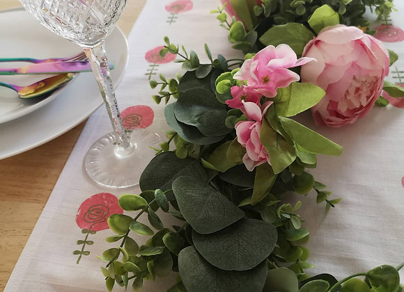 Scandic flower table runner