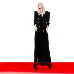 Black robe manteau edit.jpg