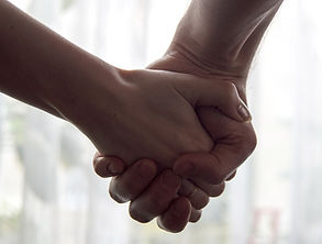 hands-2802891_1280.jpg