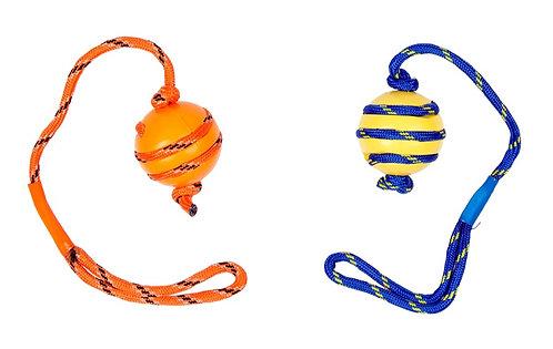 Vollgummiball mit Seil