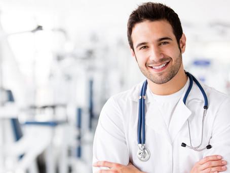 Estudante que não concluiu ensino médio poderá se matricular em curso de medicina