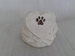Urna pedra de coração