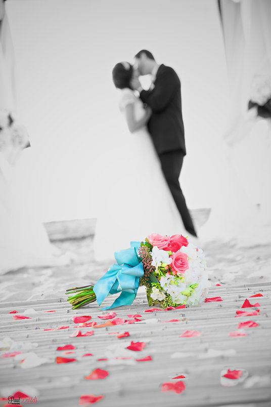 Temecula Wedding Photography of couple kissing