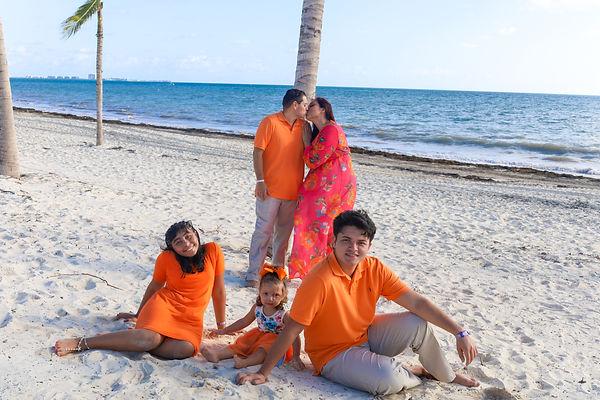 Hernandez Family-65.jpg