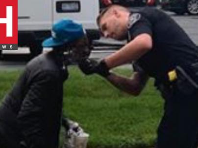 Police Officer Helps Elder Homeless Man Shave