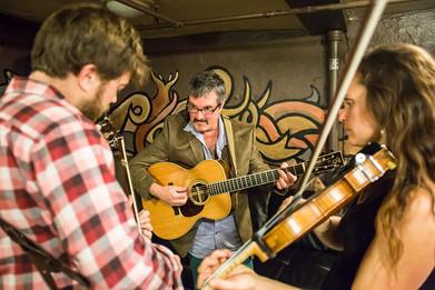 Larry_Andy_Bridget_Backstage_Cervantes.j