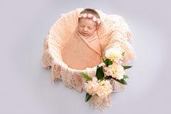 Newborn_Girls_Angela-Scott-Photography-low-res-2270.jpg