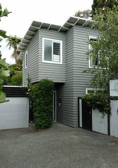 Exterior photo of Grey Lynn, Auckland studio of Angela Scott Photography