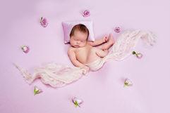 Newborn_Girls_Angela-Scott-low-res-6922.jpg