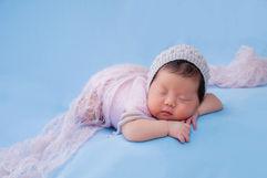 Newborn_Girls_Angela-Scott-Low-Res-9448.jpg