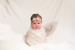 Newborn_Girls_IMG_7488-Edit.jpg