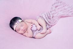 Newborn_Girls_AngelaScott-47550.jpg