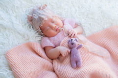 Newborn_Girls_Angela-Scott-Low-Res-9468.jpg