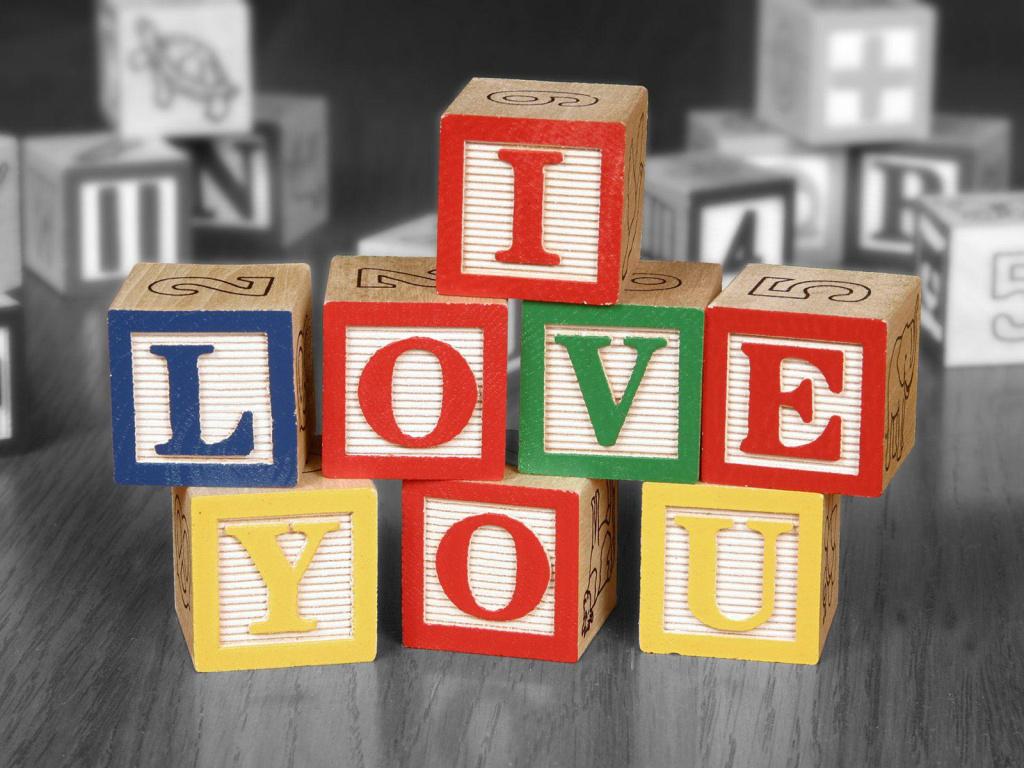 i-love-you-letter-cubes-1024x768-desktopia-net