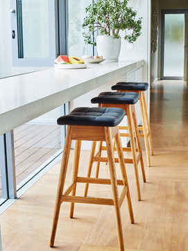 TH Brown Martelle Stool