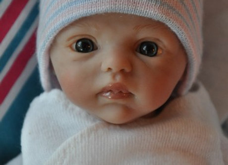 Mini baby Nessa