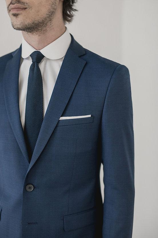 Costume bleu marine