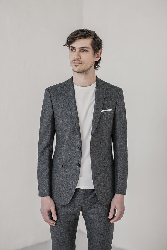 Costume gris flanelle