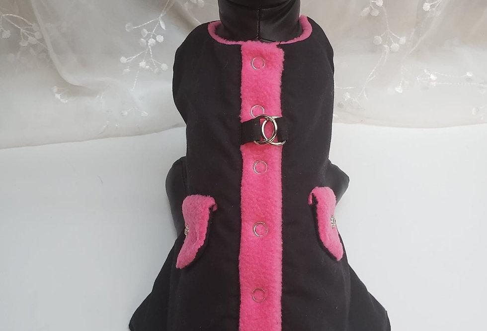 Manteau harnais noir et rose bonbon