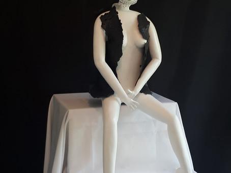 """sculpture femme le nom """" la veuve noire """""""