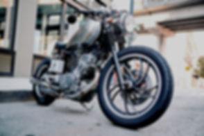 ブラックオートバイ